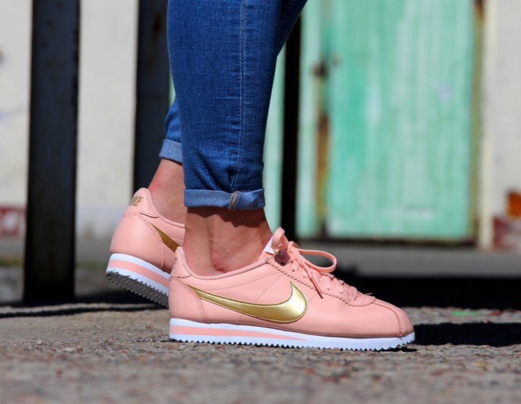 NIKE CLASSIC CORTEZ LEATHER (807471 800)