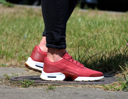 BEST PRICE! NIKE AIR MAX JEWELL SE (896195-600)