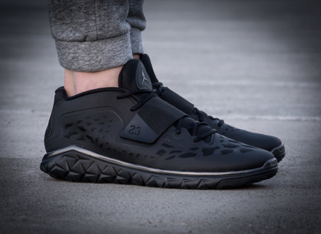 "JORDAN FLIGHT FLEX TRAINER ""BLACK METALLIC"" (768911-010)"