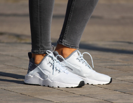 NIKE AIR HUARACHE RUN ULTRA (819151-010)