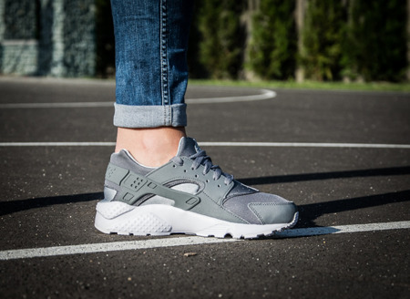 NIKE HURACHE RUN GS (654275-012)