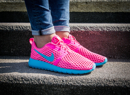 "NIKE ROSHE ONE FLIGHT WEIGHT ""PINK BLAST "" (705486-602)"