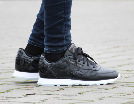 REEBOK CLASSIC LEATHER L BLACK/ WHITE WOMEN (BD5806)