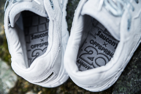 "SAUCONY SHADOW 5000 X OFFSPRING ""Medal Pack"" S70292-2"
