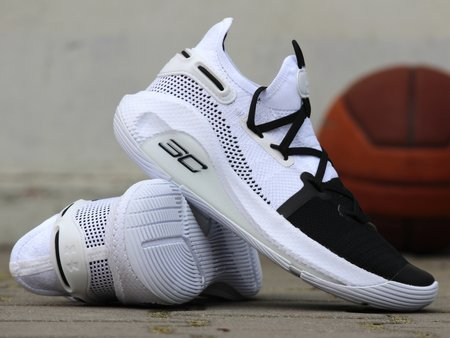 UNDER ARMOUR GS CURRY 6 (3020415-101)